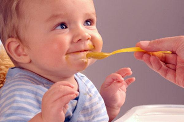 5 aylık bebek neler yapabilir?
