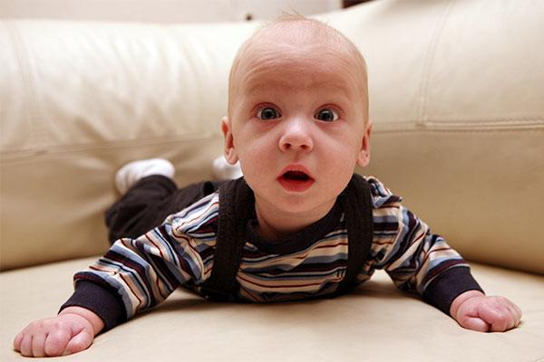 9 aylık bebek neler yapabilir?