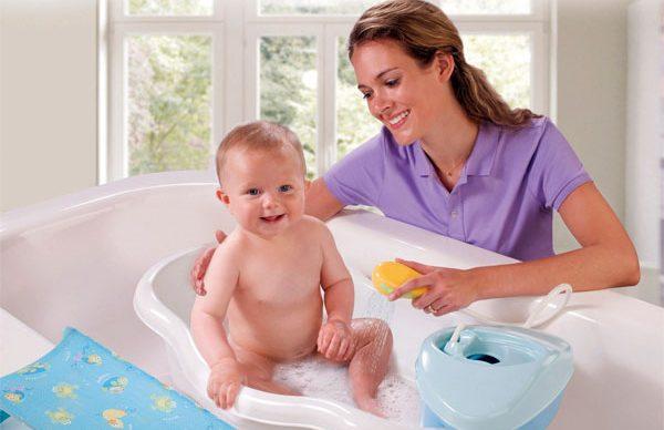 Ilık su bebeğin vücut gelişimini hızlandırıyor