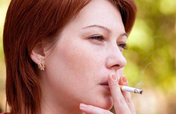 Sigara cildi kırıştırıyor