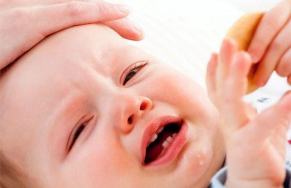 Bebeğin ateşi nasıl düşürülür?