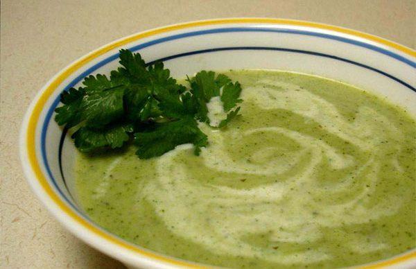 Brokoli haşlamadan tüketilmeli