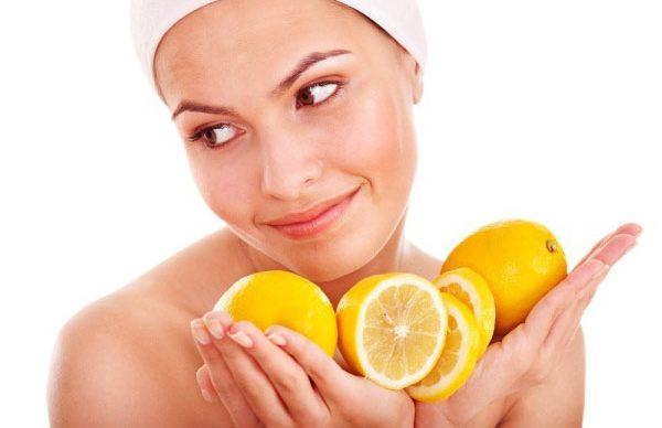 Cilt lekeleri için limon maskesi