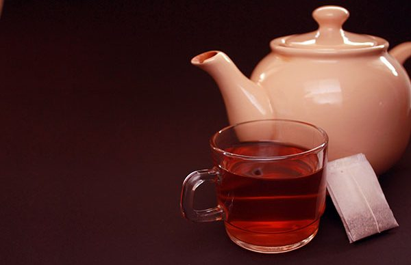 Sahurda demli çay içmek susatıyor
