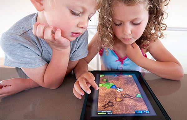 Akıllı cihazlar çocukların gözünü bozuyor