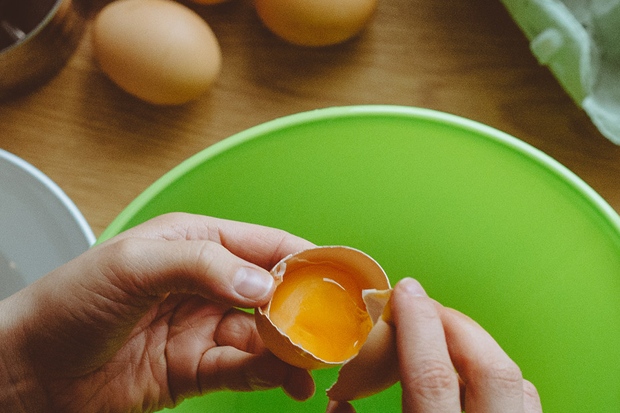 Kırışıklıkları önleyen yumurta maskesi